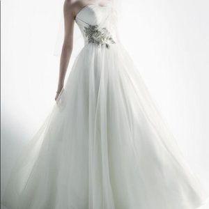 Oleg Cassini White Wedding Dress- SIZE0,preowned